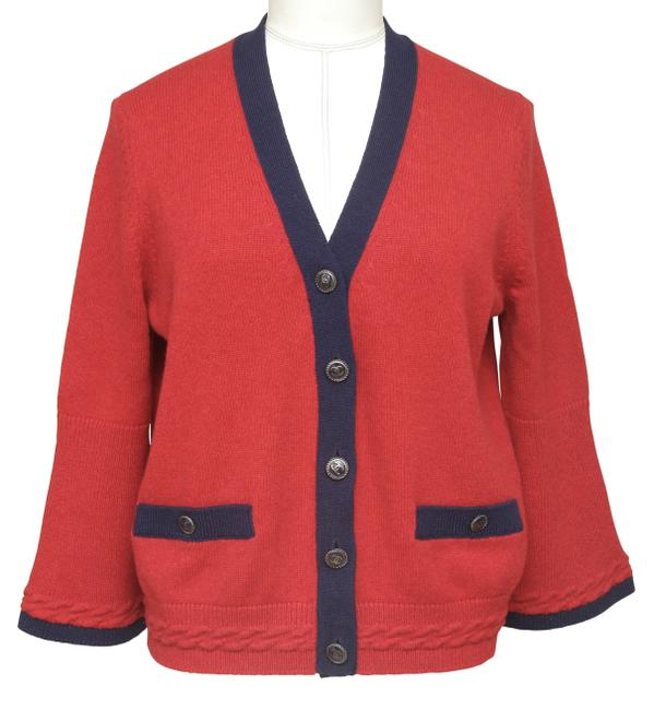 Chanel Red Cashmere Sweater Knit Navy Pockets V-neck 38 Cardigan Size 6 (S) Chanel Red Cashmere Sweater Knit Navy Pockets V-neck 38 Cardigan Size 6 (S) Image 1