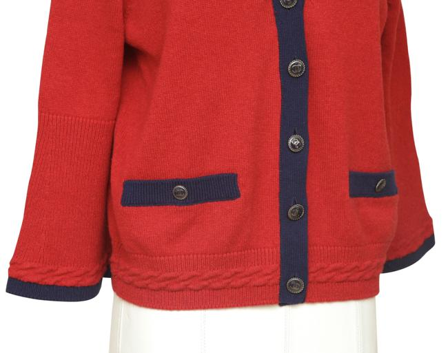Chanel Red Cashmere Sweater Knit Navy Pockets V-neck 38 Cardigan Size 6 (S) Chanel Red Cashmere Sweater Knit Navy Pockets V-neck 38 Cardigan Size 6 (S) Image 4