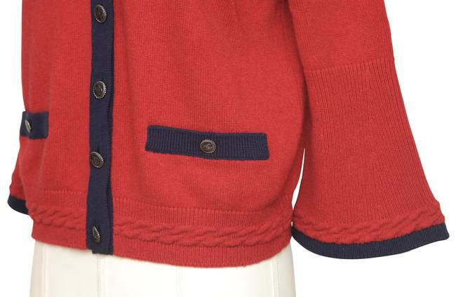 Chanel Red Cashmere Sweater Knit Navy Pockets V-neck 38 Cardigan Size 6 (S) Chanel Red Cashmere Sweater Knit Navy Pockets V-neck 38 Cardigan Size 6 (S) Image 5