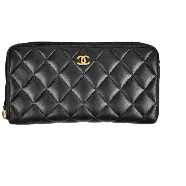 Item - Black Round with Coins Matrasse Lambskin A50097 Wallet