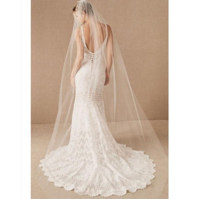 Item - White Long Amsale Tulle Cathedral Bridal Veil