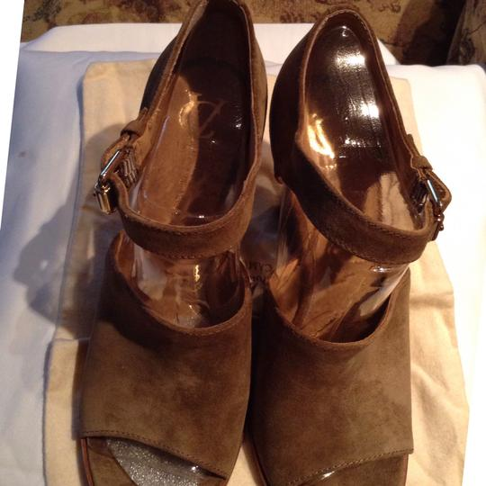 Vince Camuto Tabacco Sandals