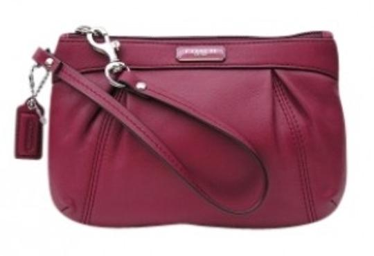 Preload https://item1.tradesy.com/images/coach-pleated-red-leather-wristlet-29515-0-0.jpg?width=440&height=440