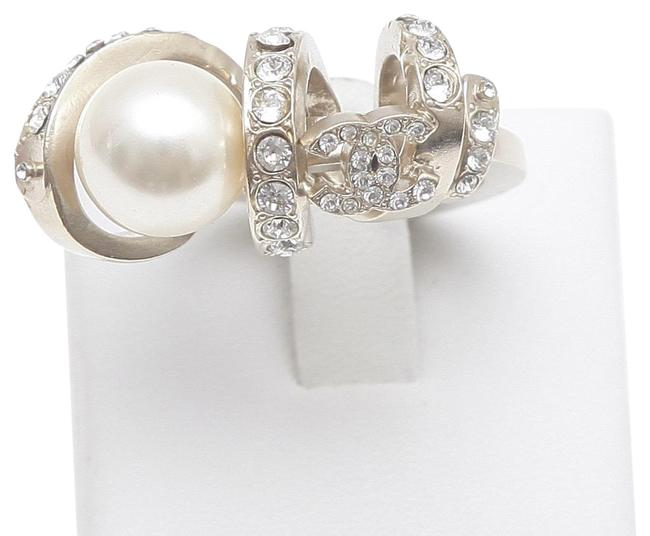 Item - Gold Crystal Faux Pearl Classic Cc Gold-tone 52 Ring