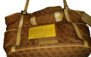 Dooney & Bourke Tote in coffee