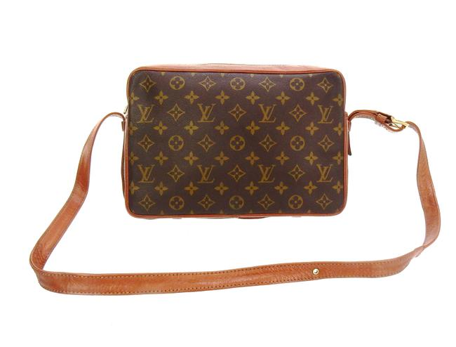 Item - Sac Bandoulière Brown Monogram Canvas and Leather Cross Body Bag