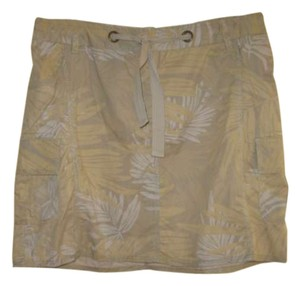 Merona Mini Skirt Beige with Leaf pattern