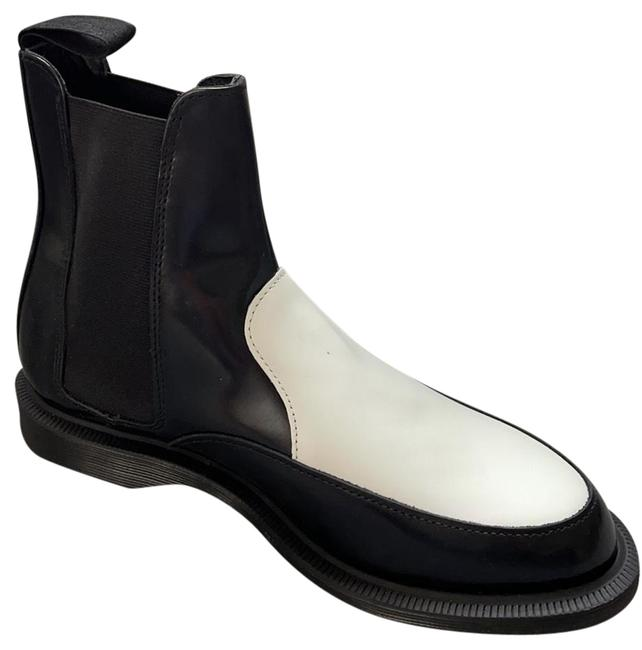 Item - Black and White Chelsea Boots/Booties Size US 7 Regular (M, B)
