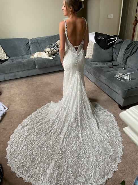 Item - Made with Love Ivory Lace Harlow Formal Wedding Dress Size 6 (S)
