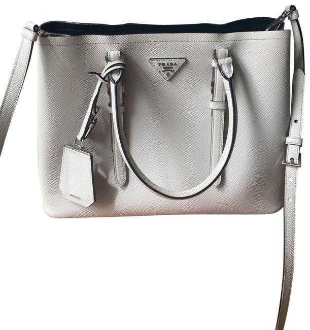 Item - Weekend Travel Light Grey Leather Tote