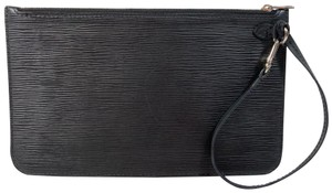 Louis Vuitton Lv Neverfull Neverfull Gm Epi Leather Clutch Wristlet in Black