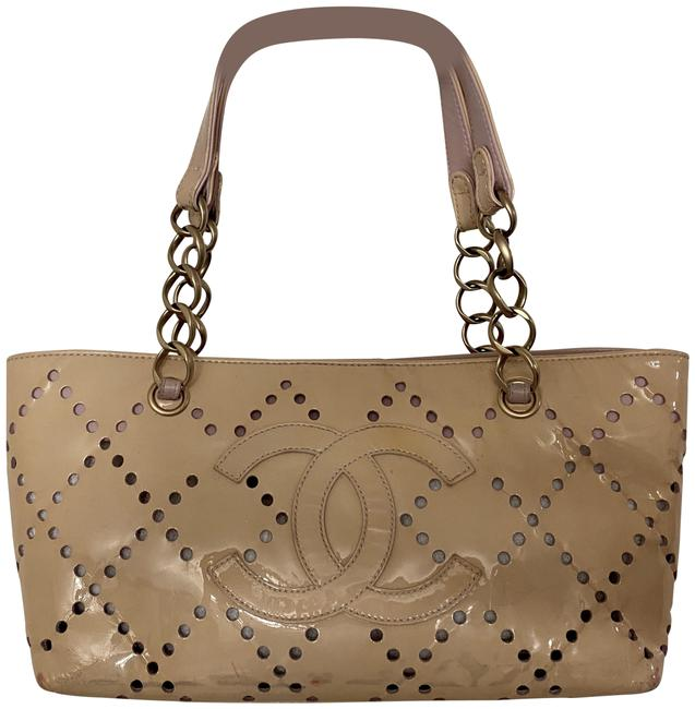 Item - Bag Perforated Cc Chain Beige Patent Leather Tote