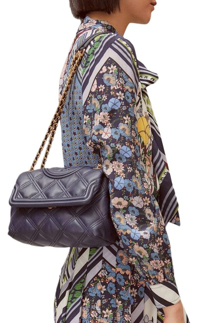 Item - Fleming Soft Quilted Convertible Navy Blue Lambskin Leather Shoulder Bag