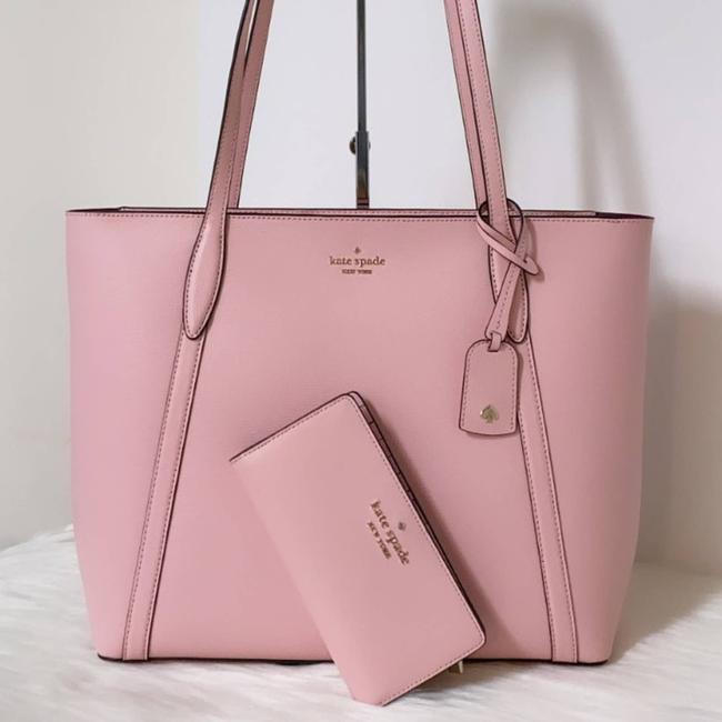 Item - New Cara Large Wallet/Refined Grain Pink Leather Tote