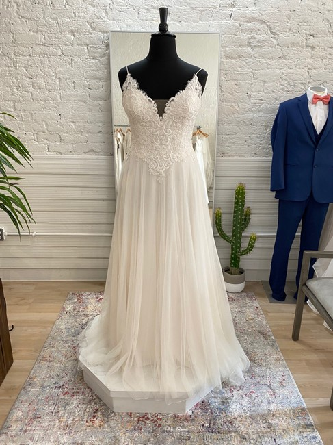 Item - Sand/Ivory/Nude 1142lnd Sweetheart Collection Traditional Wedding Dress Size 12 (L)