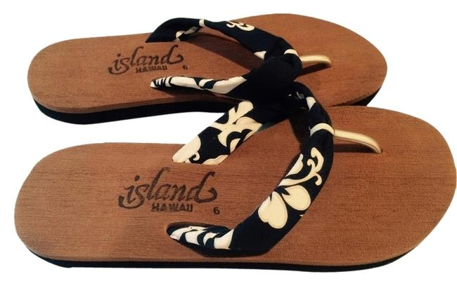 Black and White Puff Fabric Strap Sandals Size US 6 Regular (M, B) Black and White Puff Fabric Strap Sandals Size US 6 Regular (M, B) Image 1