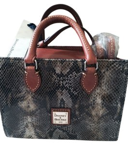 Dooney & Bourke Satchel in Taupe