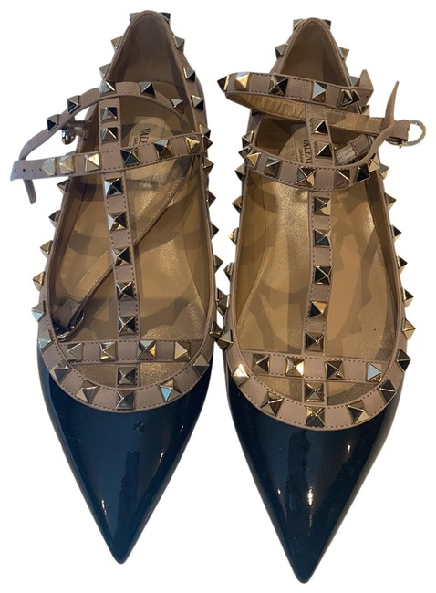 Item - Black and Tan with Gold Studs. 123 Flats Size US 8.5 Regular (M, B)