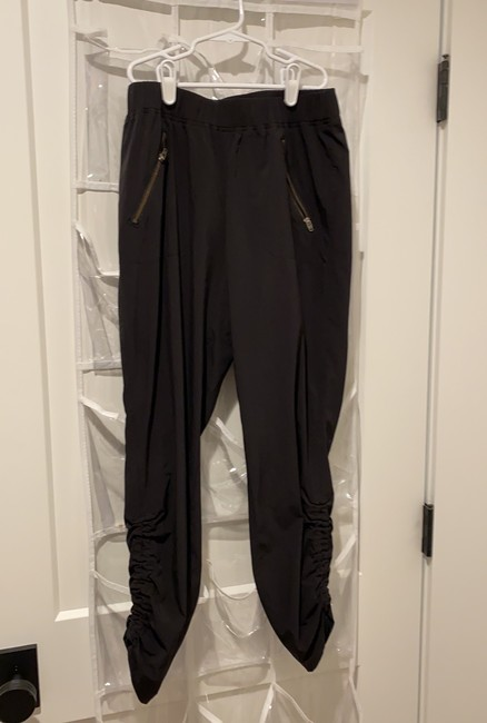 Item - Cropped Pant Activewear Bottoms Size 4 (S)