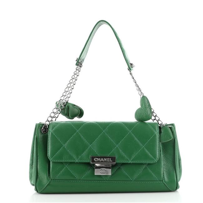 Item - Classic Flap Charm Chain Accordion Push Lock Quilted Medium Green Leather Shoulder Bag