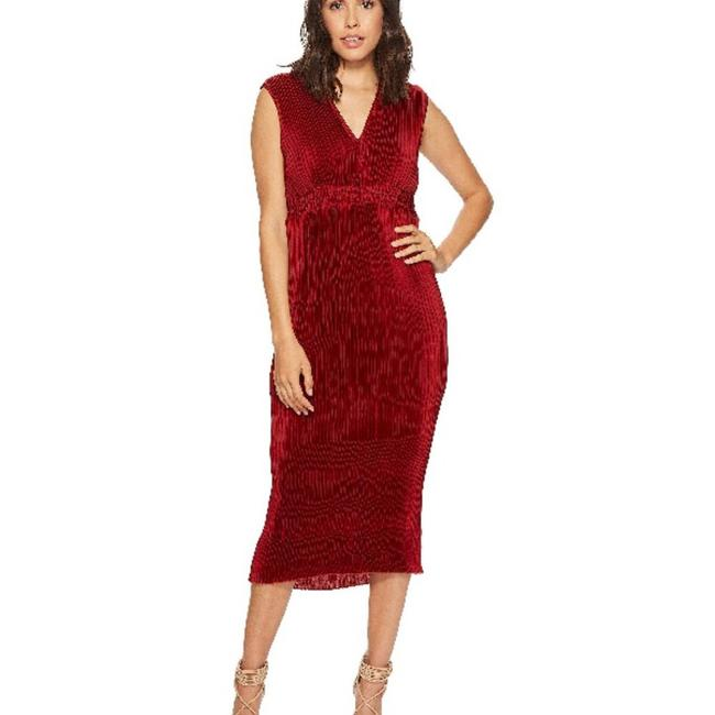 Item - Red Pleated Chiffon M Mid-length Night Out Dress Size 8 (M)