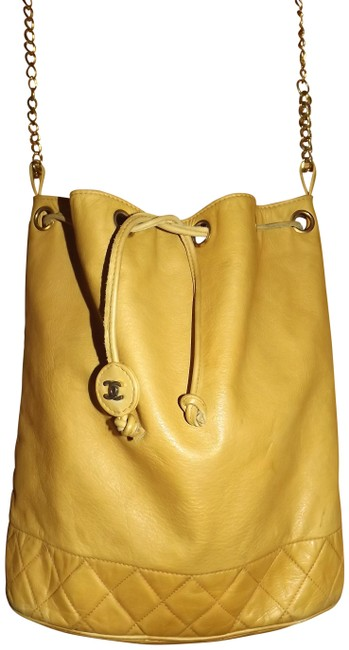 Item - Drawstring Bucket Quilted Chain Nice Beige Lambskin Leather Shoulder Bag