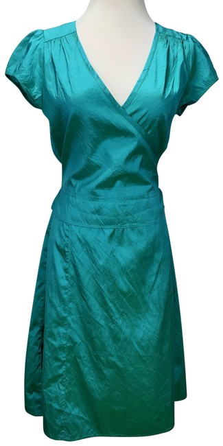 Item - Emerald Green Wrap Mid-length Night Out Dress Size 8 (M)
