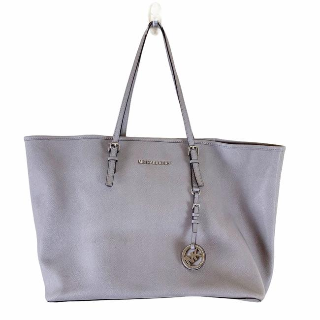 Item - Jet Set Saffiano Travel Pearl Grey Leather Tote