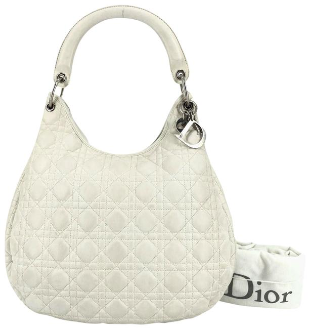 Item - Quilted Cannage #36432 White Leather Hobo Bag