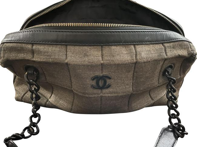 Item - Chain Black and Grey Lambskin Leather Shoulder Bag
