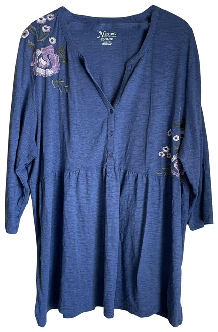 Item - Blue Embroidered Tunic - 3x Blouse Size 26 (Plus 3x)