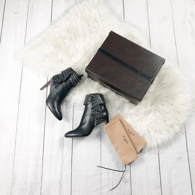 Item - Black Grommet Embellished Leather Ankle Boots/Booties Size EU 40 (Approx. US 10) Regular (M, B)