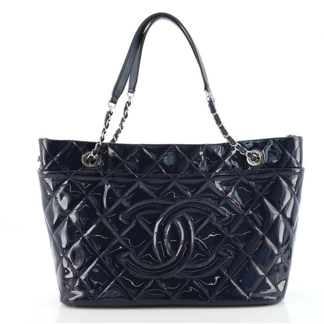 Item - Timeless Cc Soft Quilted Medium Blue Patent Leather Tote