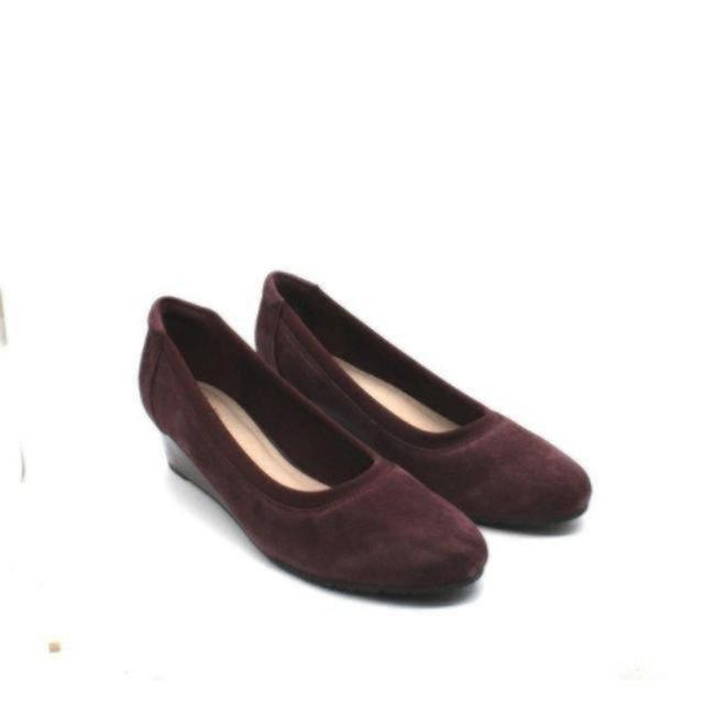 Item - Red Mallory Berry Burgundy Suede Wedges Size US 8 Regular (M, B)