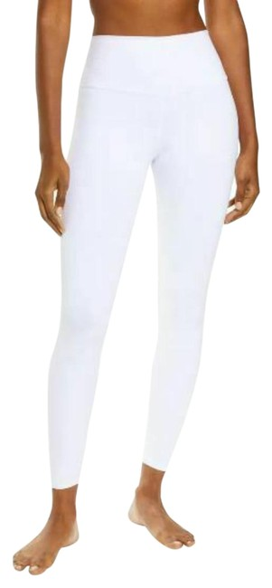 Item - White Yoga Airbrushed High Waist In Activewear Bottoms Size 8 (M, 29, 30)