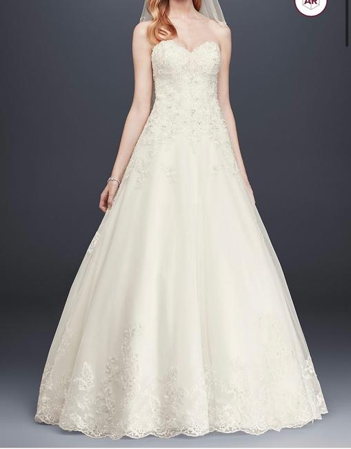 Item - Ivory Polyester Beaded Lace and Tulle Ball Gown 0 Traditional Wedding Dress Size Petite 0 (XXS)