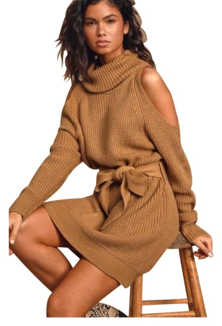 Item - Brown Sweet Demeanor Camel Sweater Mid-length Short Casual Dress Size 8 (M)