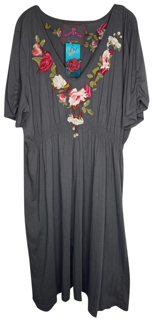 Item - Gray Cotton Embroidered Short Casual Dress Size 26 (Plus 3x)