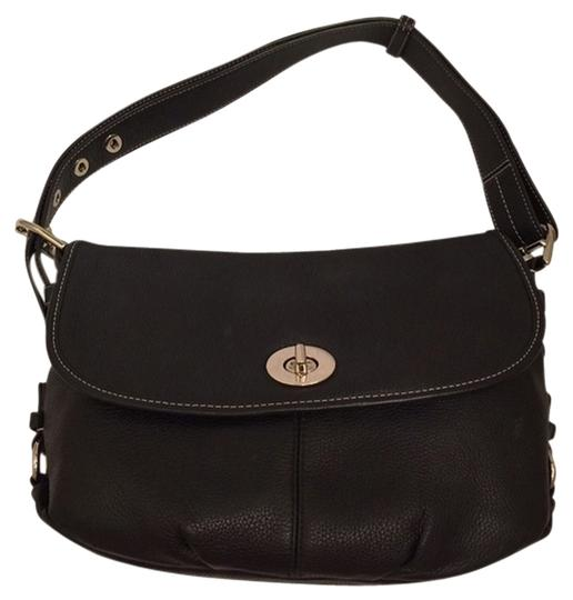 Preload https://item4.tradesy.com/images/coach-flap-duffle-style-no-3h00046086-black-leather-shoulder-bag-2956093-0-0.jpg?width=440&height=440