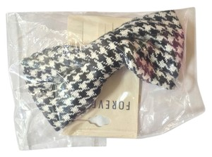 Forever 21 Houndstooth Black and White Hair Bow