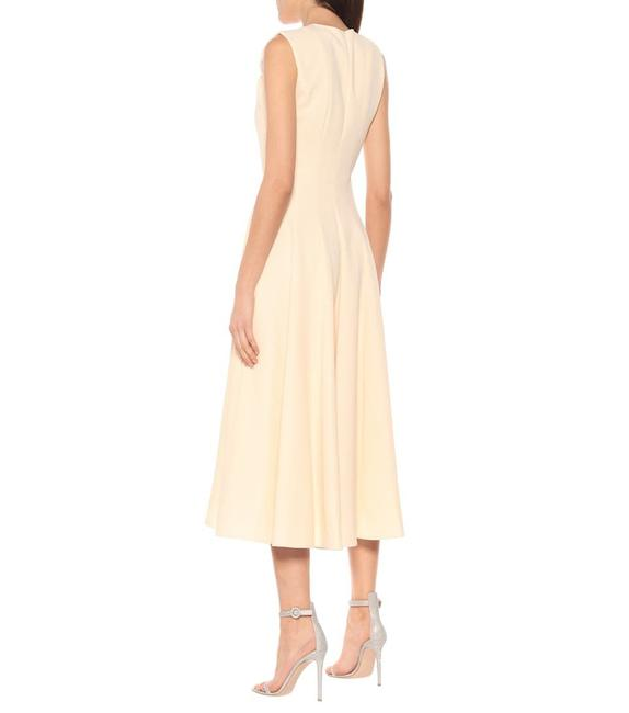 Item - Peach Ivory Meryl Crepe Knotted Mid-length Cocktail Dress Size 10 (M)