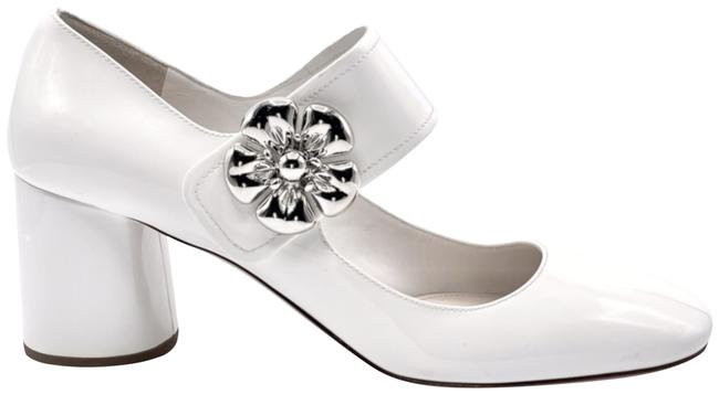 Item - White Mary Jane with Large Flower Detail Pumps Size EU 39.5 (Approx. US 9.5) Regular (M, B)