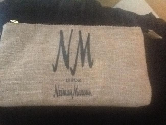 """Neiman Marcus Tan with Black Text New """"Nm Is For """" Wristlet/Cosmetics Cosmetic Bag Neiman Marcus Tan with Black Text New """"Nm Is For """" Wristlet/Cosmetics Cosmetic Bag Image 11"""