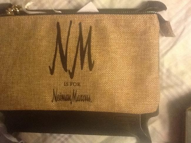 """Neiman Marcus Tan with Black Text New """"Nm Is For """" Wristlet/Cosmetics Cosmetic Bag Neiman Marcus Tan with Black Text New """"Nm Is For """" Wristlet/Cosmetics Cosmetic Bag Image 4"""