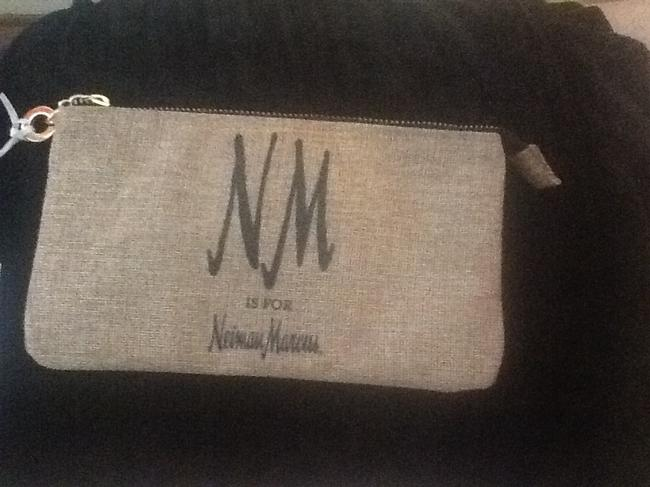 """Neiman Marcus Tan with Black Text New """"Nm Is For """" Wristlet/Cosmetics Cosmetic Bag Neiman Marcus Tan with Black Text New """"Nm Is For """" Wristlet/Cosmetics Cosmetic Bag Image 7"""