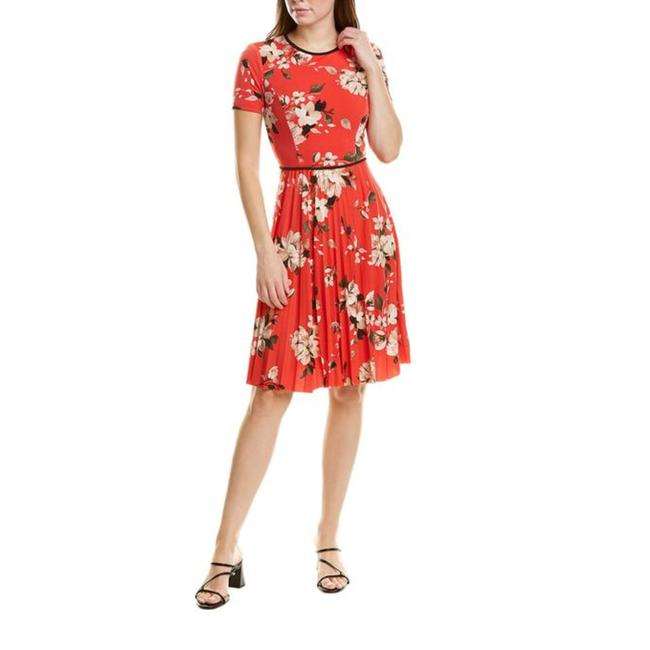 Item - Red Floral Short Casual Dress Size 6 (S)