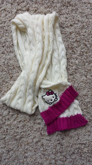 Other Hello Kitty Scarf Woolen