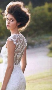 Claire Pettibone Ivory Lace Chantilly Feminine Wedding Dress Size 6 (S)