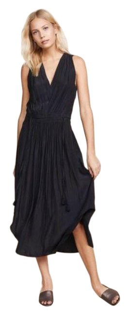 Item - Navy Embroidered Hayley Mid-length Cocktail Dress Size 12 (L)