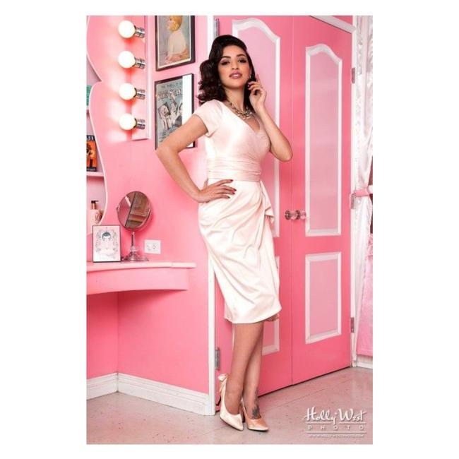 Item - New Ava Midi In Blush Pink Mid-length Cocktail Dress Size 6 (S)